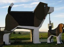 You can spend the night in a giant beagle-shaped B&B