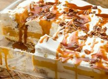 This pumpkin cheesecake lasagna is so easy to make and it's the perfect fall dessert