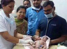 """First-time mom faints after giving birth to baby that """"has two heads"""""""