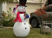 HOA tells family to remove Christmas decorations 'until closer to the holiday season'