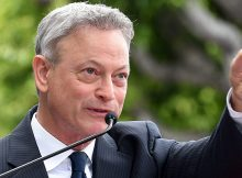 Gary Sinise awarded Congressional Medal of Honor Society award for supporting veterans, he deserves it!