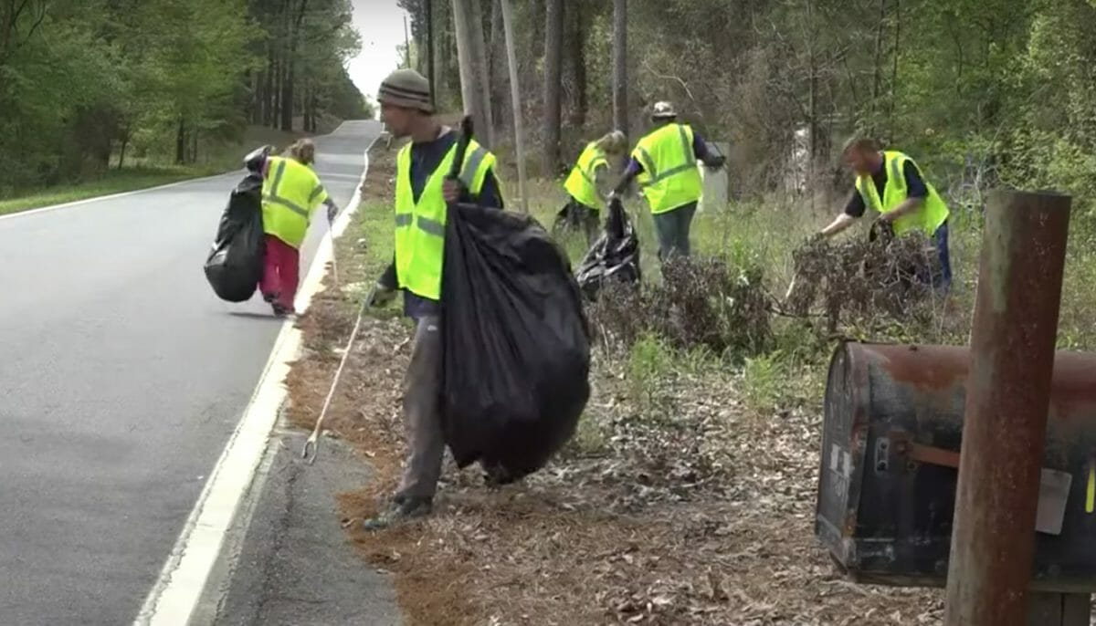 Homeless people getting paid to pick up trash in new six-month trial program
