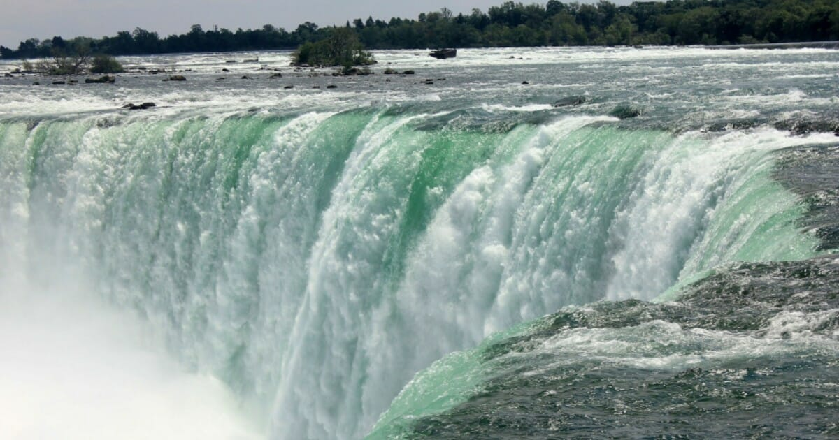 Man 'in crisis' survives 188-foot plunge over Niagara Falls