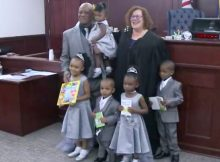 Single dad adopts 5 siblings under the age of 6 so they can grow up together